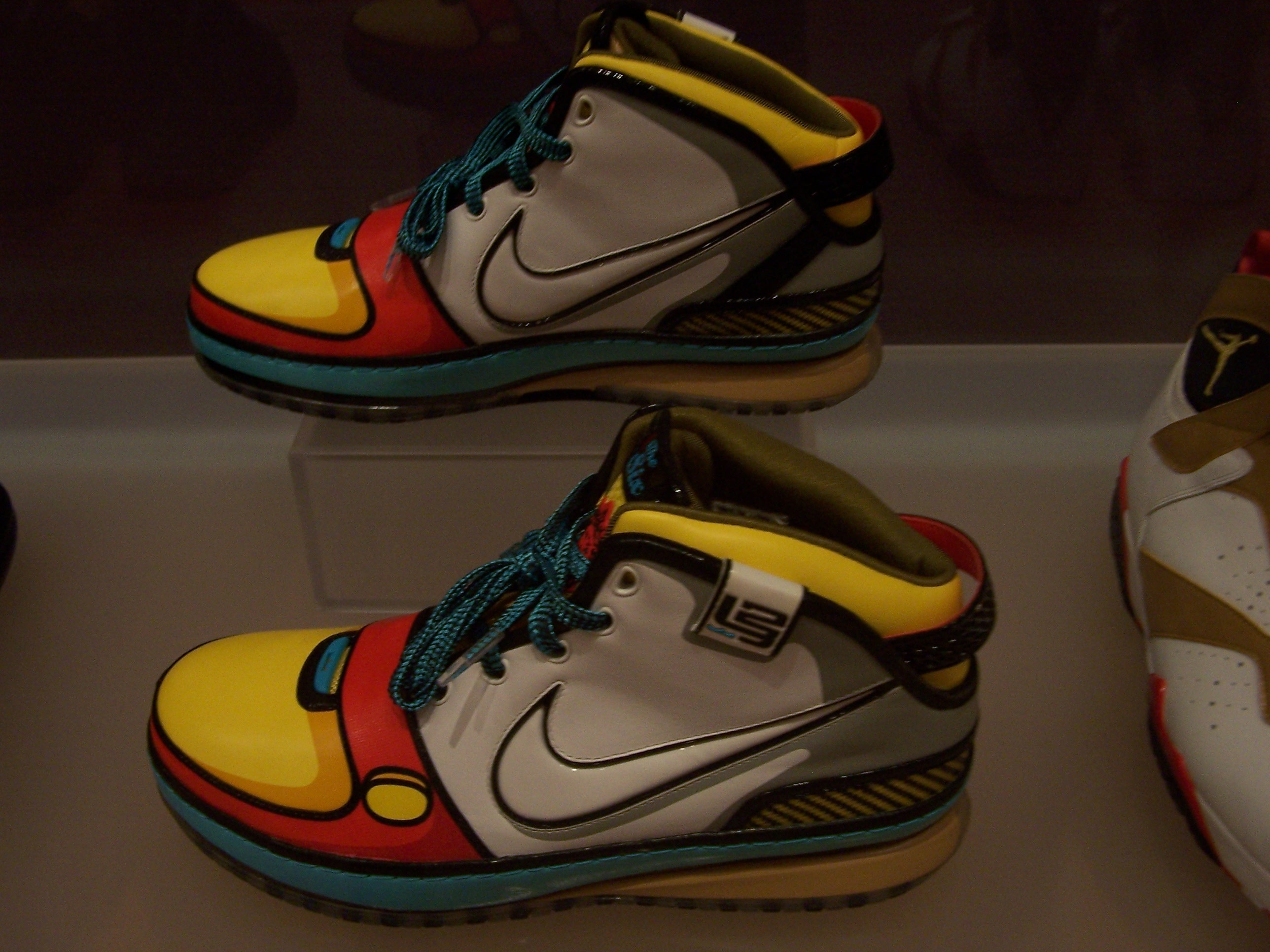 lebron 6 stewie. these sneakers were inspired by lebron james\u0027 favorite character from \ lebron 6 stewie